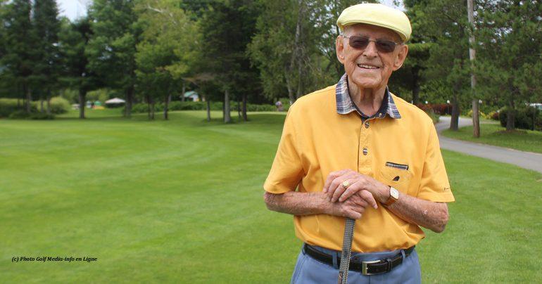 Sur les allées à 102 ans et toute la vie devant lui…
